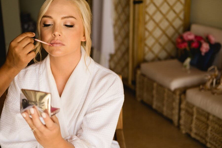 Hot for the Holidays – 3 Tips for Holiday Makeup in Cabo