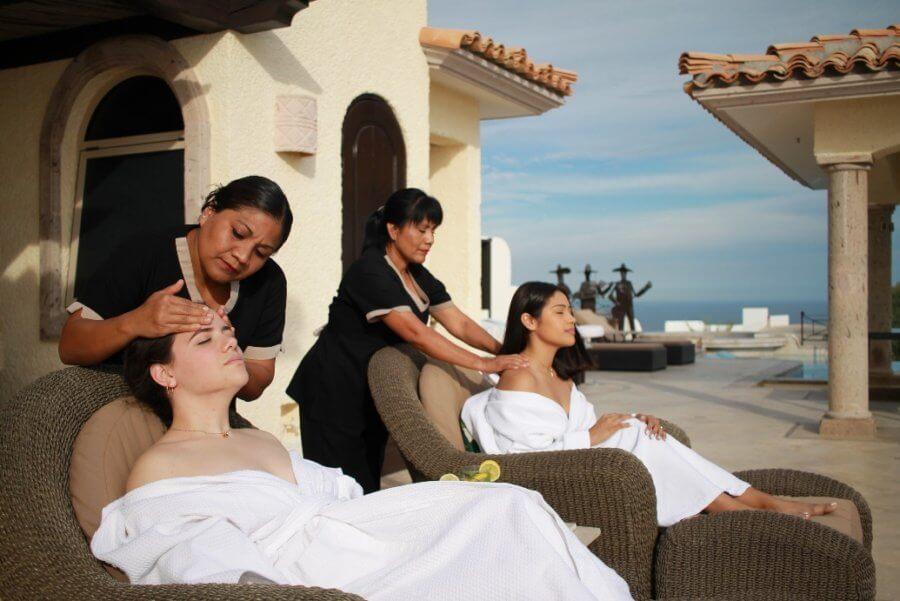Benefits of getting a regular massage